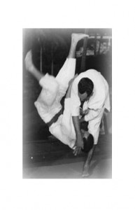 Prof Kufferath throws Soto Momo Hari.